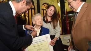 Licenciada a los 94 años