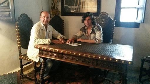 Rafael y joselito el gallo en la intimidad for Muebles mato valencia