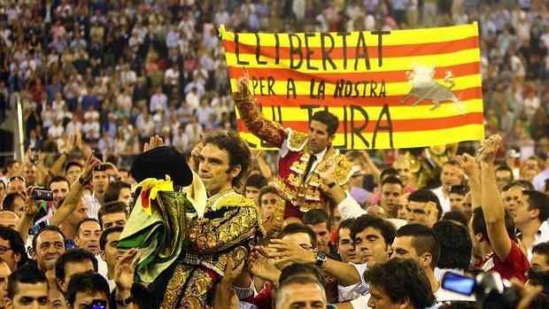 José Tomás y Serafín Marín, en una puerta grande de clamor por la libertad en la «última» de Barcelona