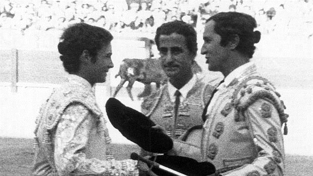 José María Manzanares tomó la alternativa de manos de Luis Miguel y en presencia de El Viti