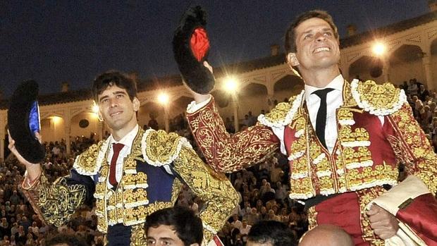 López Simón y El Juli, a hombros en Albacete