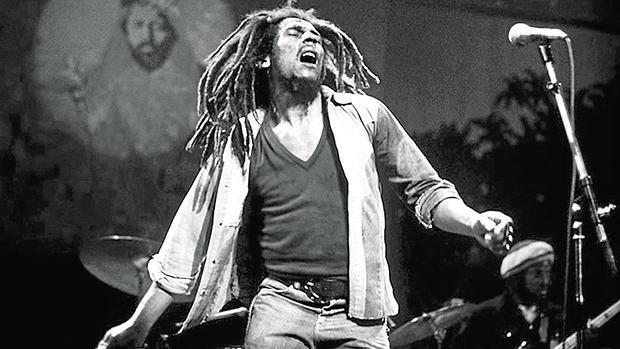 Bob Marley es uno de los pocos artistas no británicos ni norteamericanos representados en este libro
