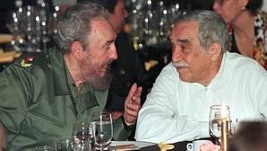 Fidel Castro y Gabriel García Márquez, durante una cena en marzo de 2004
