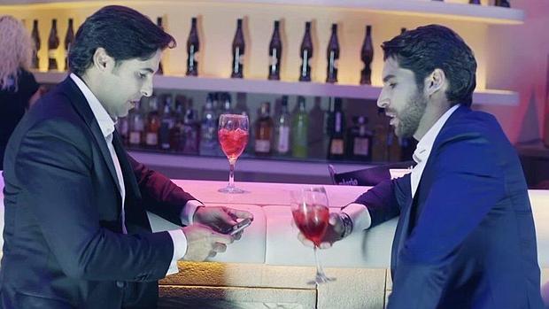 Francisco y Cayetano, en el comienzo del videoclip