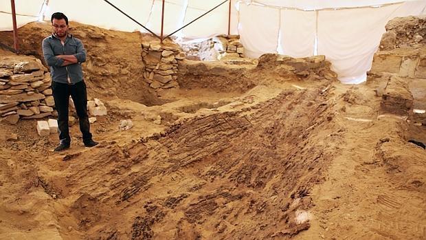 Descubren una barca funeraria de 4.500 años de antigüedad en Egipto