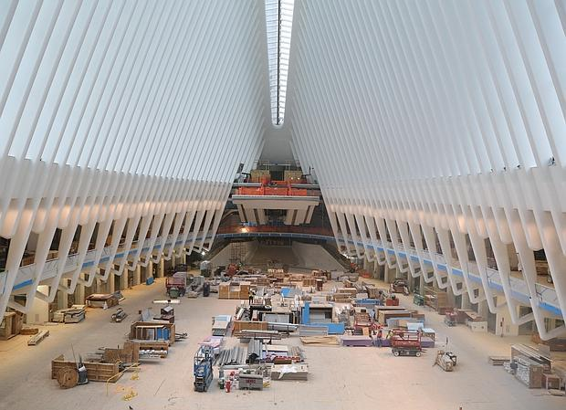 Aspecto de las obras en el interior del intercambiador de Calatrava en el World Trade Center