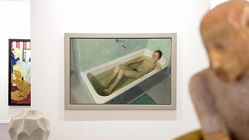 Al fondo «Mujer en la bañera», de Antonio López en Marlborough