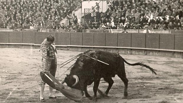 Manolete, en la plaza de toros de Barcelona