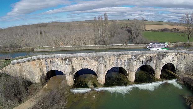 El acueducto para superar el río Siquillo