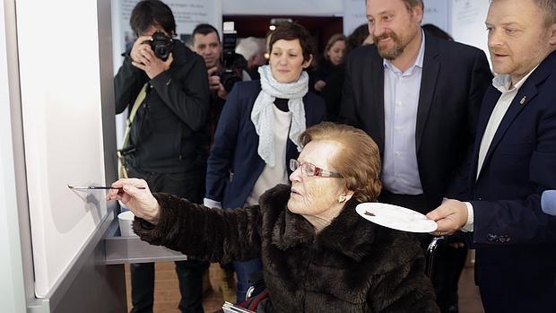 Cecilia Giménez, durante la inauguración del centro