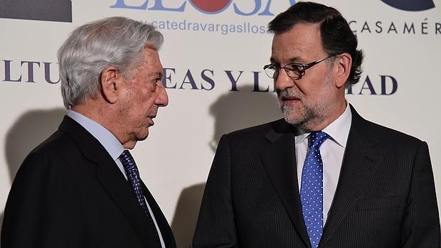 Mario Vargas Llosa y Mariano Rajoy, en la Casa de América