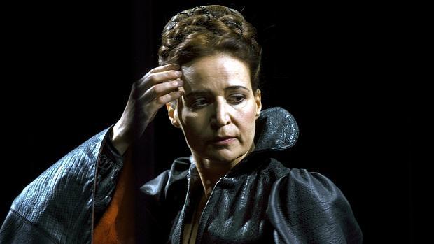 Silvia Bel encarna a María Estuardo en el Lliure