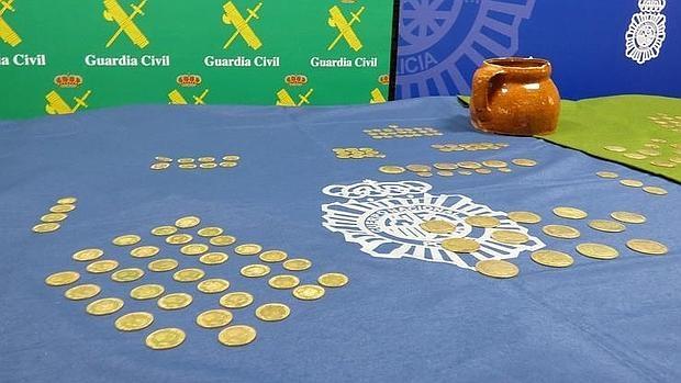 Cada una de las monedas encontradas está valorada en unos mil euros