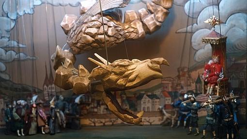 Teatro TEHb con «La Enciclopedia de los dragones»