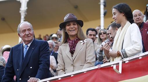 Don Juan Carlos, Doña Elena y Victoria Federica