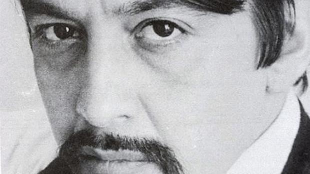 El poeta mexicano Jose Carlos Becerra