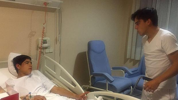 Gonzalo Caballero visitó a Luis David Adame antes de abandonar el hospital