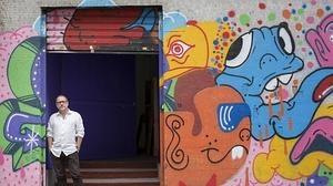 Lacalle, a las puertas de su estudio en Madrid