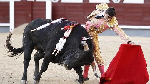 Paco Ureña, en un largo y templado natural