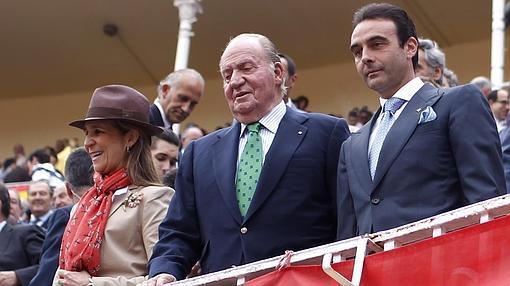 La Infanta Elena, Don Juan Carlos y Enrique Ponce