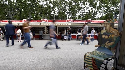 Aspecto de la Feria del Libro de Madrid
