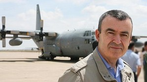 Lorenzo Silva, en la base aérea de Zaragoza
