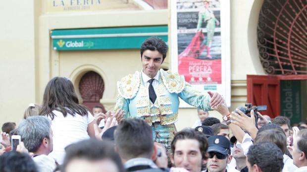 Miguel Ángel Perera sale por la puerta grande