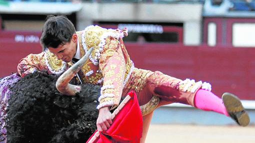 Gonzalo Caballero sufrió la cornada más grave