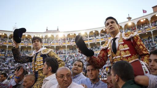 Manzanares, autor de la mejor faena, y López Simón compartieron Puerta Grande en la Beneficencia