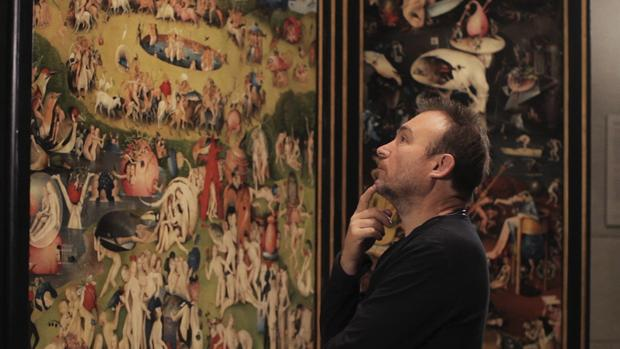Miquel Barceló, admirando «El Jardín de las Delicias»