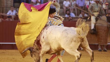 Juan de Castilla, en un quite