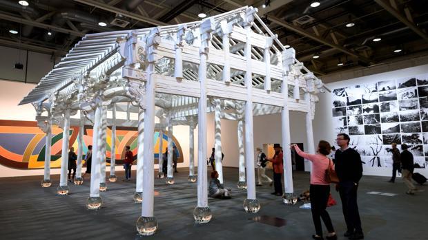 Ai Weiwei pinta de blanco una casa de madera de la dinastía Qing