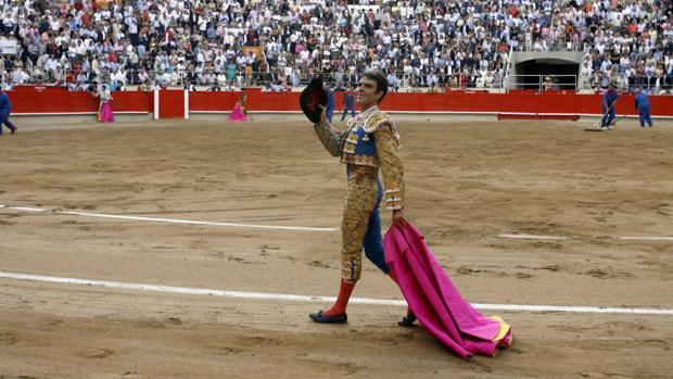 José Tomás da la vuelta al ruedo en su regreso a la Monumental catalana
