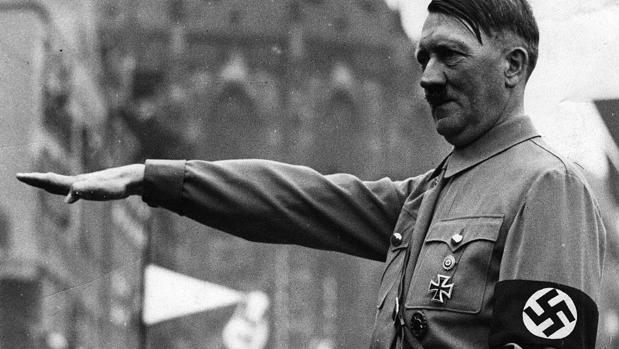 Hemeroteca: La última chaqueta de Hitler, vendida por 275.000 euros   Autor del artículo: Finanzas.com
