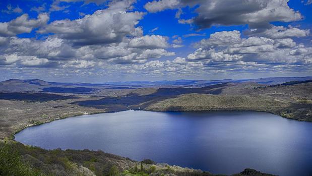 Resultado de imagen de leyendas del lago de sanabria zamora