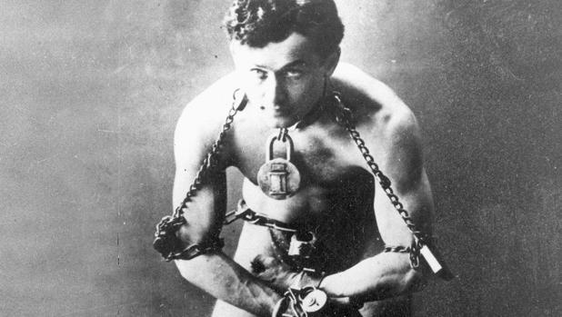 Cómo se convirtió Houdini en el mejor mago de todos los tiempos