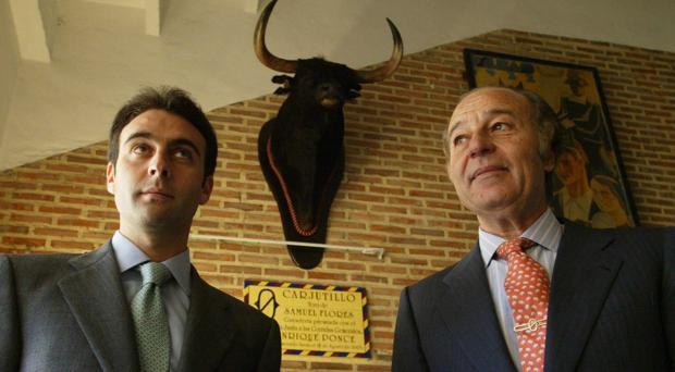 Enrique Ponce y el ganadero Samuel Flores