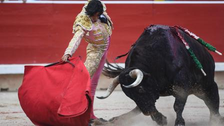 Curro Díaz, en un derechazo