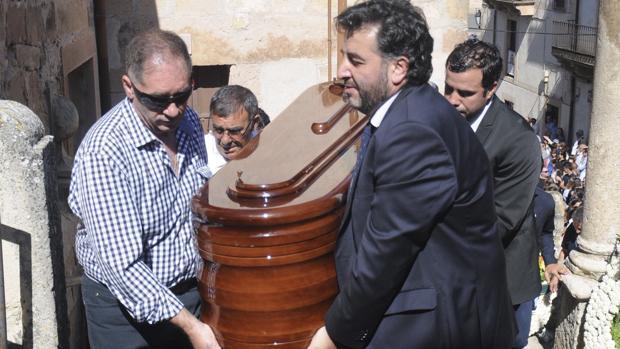 Los toreros dan su último adiós a Víctor Barrio