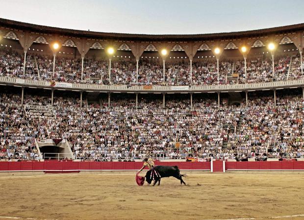 Artículos que avalan la inconstitucionalidad de la prohibición de los toros en Cataluña