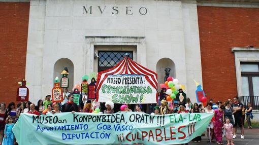 Movilización ante el museo