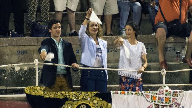 Gritos de «¡libertad, libertad!» en la plaza de toros de Palma