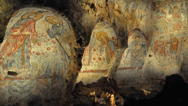 Detalle de las pinturas de la cripta del pecado original