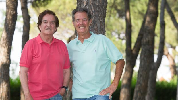 Manuel de la Calva y Ramón Arcusa posando para ABC
