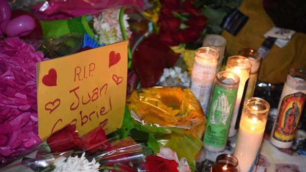 Hollywood recuerda al cantante mexicano Juan Gabriel