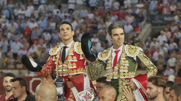 Hemeroteca: Apoteosis de José Tomás y Manzanares en Valladolid | Autor del artículo: Finanzas.com