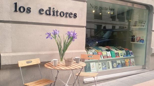 Fachada de la librería Los Editores, en la madrielña calle Guturbay
