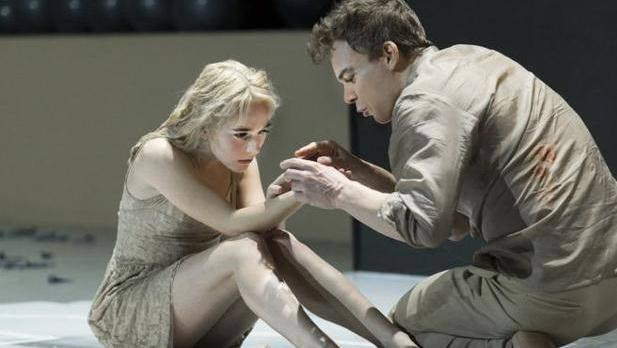 Escena del musical «Lazarus»