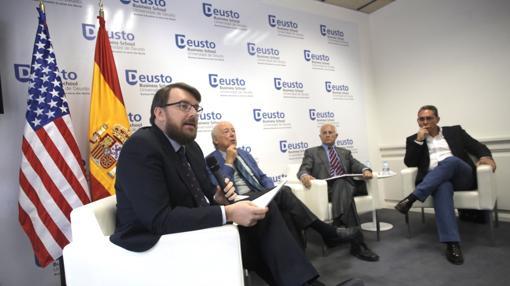 De izquierda a derecha, Daniel Ureña, Borja Cardelús, Manuel Olmedo y Julio Cañero, en el Foro de la Herencia Hispana, organizado en Madrid por The Hispanic Council y la Deusto Business School