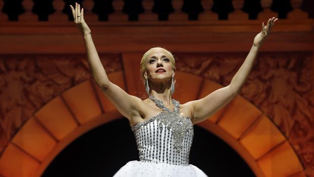 Evita En El Nuevo Teatro Alcalá Eva Al Desnudo